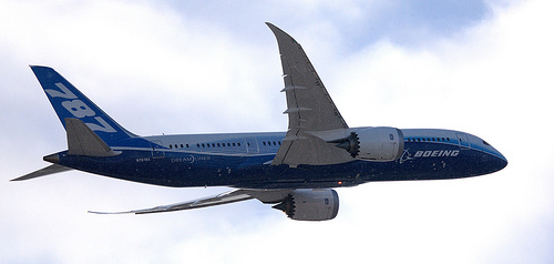 Boeing 787 Dreamliner begins UK tour