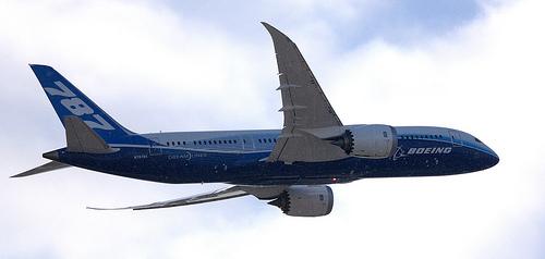Boeing 787 Dreamliner begins UK tour
