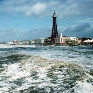 Jet2 announces Blackpool Airport  services for 2011